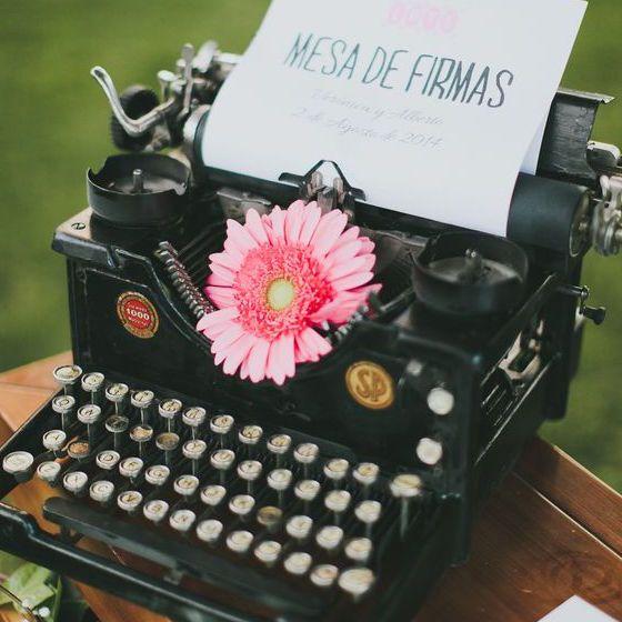 MESA_LIBRO_FIRMAS