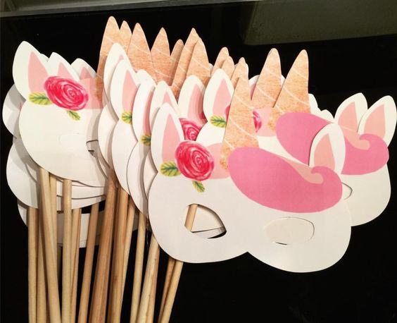 antifaces de unicornios rosas y blancos
