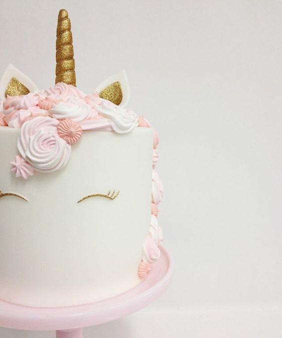 adorno de unicornios